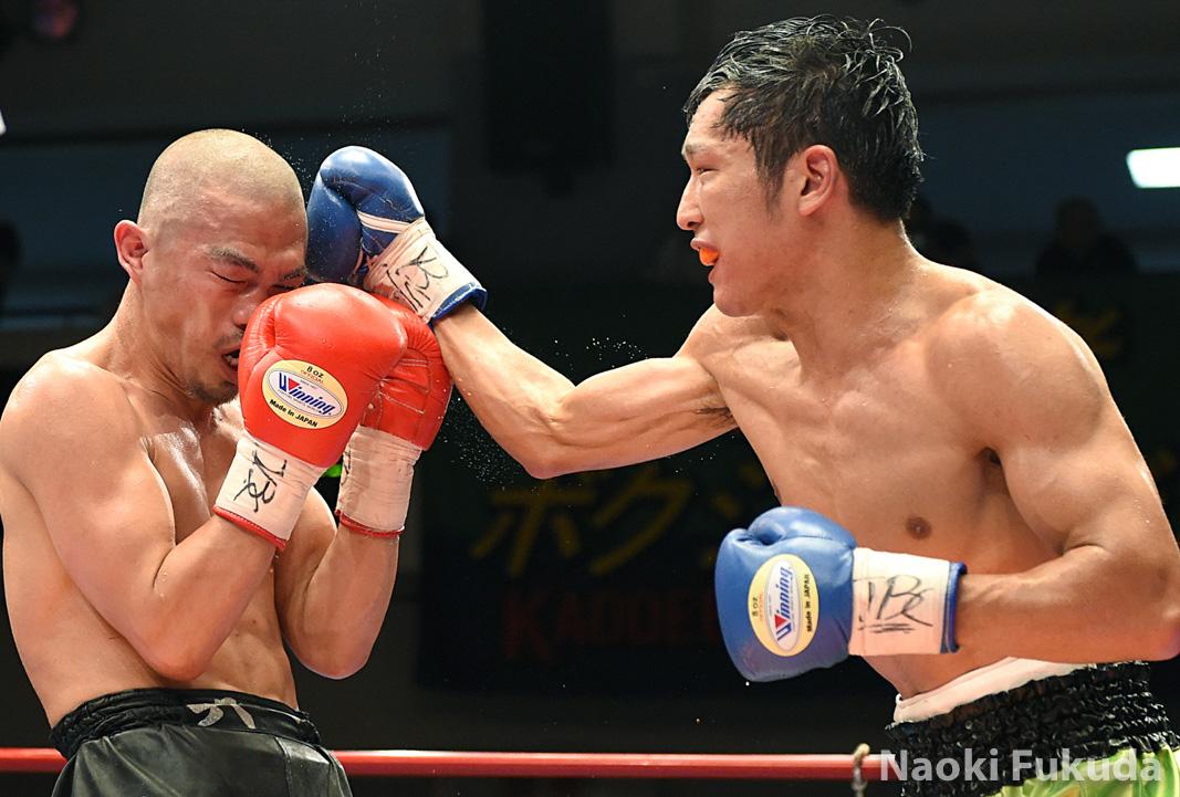 今野 裕介(角海老宝石) vs麻生 興一(三迫) Photo by 福田直樹