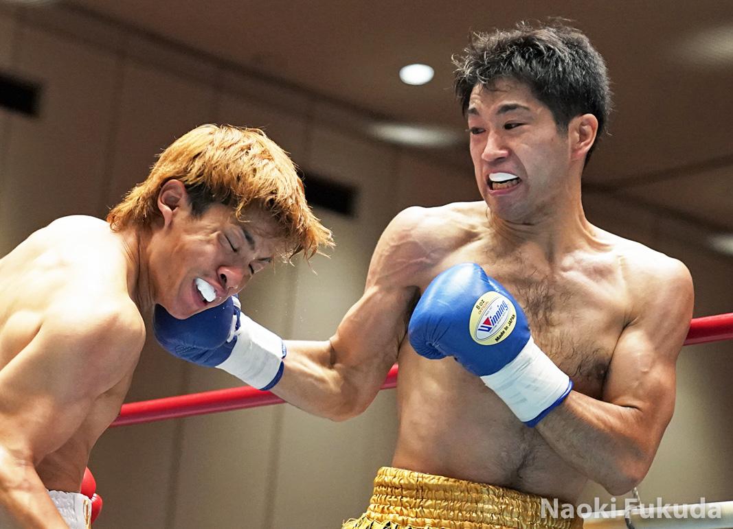 西川 勇気(角海老宝石) vs岡田 靖弘(横浜光) Photo by 福田直樹