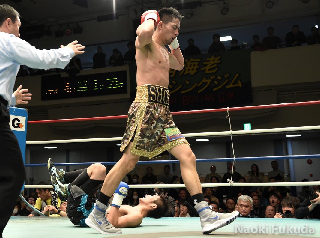 福本 祥馬(角海老宝石) vs福山 和徹(冷研鶴崎) Photo by 福田直樹