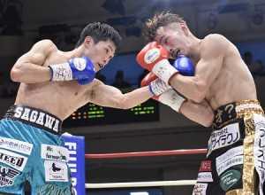 佐川遼が阿部麗也に競り勝つ 日本フェザー級新王者