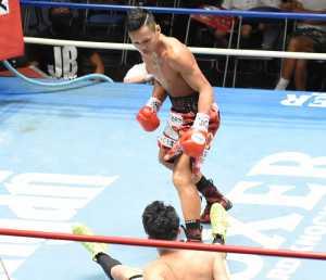 記事:日本バンタム級決定戦は2回負傷ドロー 澤田京介はダウン奪うも水の泡の参考画像