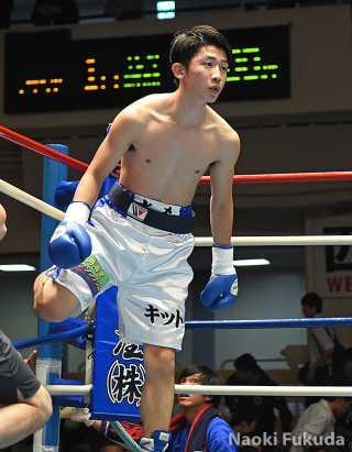 谷田 光希(角海老宝石) vs野口貴彦(世田谷オークラ) photo by 福田直樹