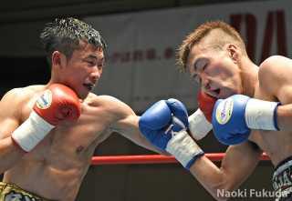 市川 雅之(角海老宝石) vs佐宗 緋月(コーエイ工業小田原) photo by福田直樹