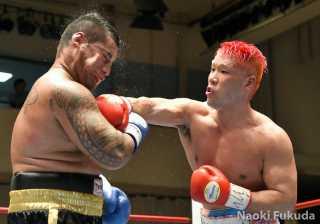 藤本 京太郎(角海老宝石) vsヘルマン・パーセル(豪州) Photo by 福田直樹
