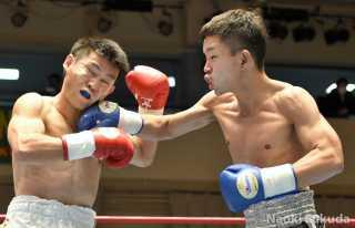 中村 真也(角海老宝石) vs小林 昇太(花形) Photo by 福田直樹