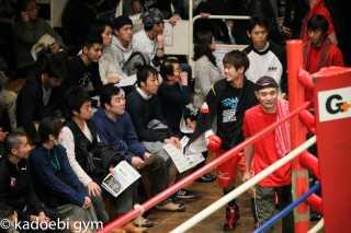 松本 竜也(角海老宝石) vs岡本 文太(井岡)