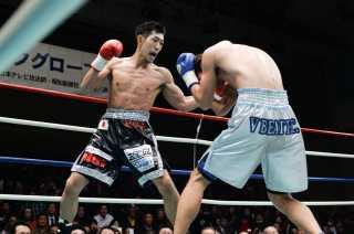 岡田 博喜(角海老宝石) vs中澤 将信(帝拳)