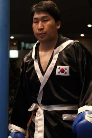 藤本 京太郎(角海老宝石) vs金 在贊(韓国)