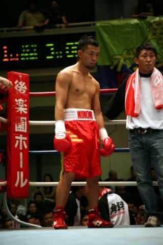 坂本 大輔(角海老宝石) vs五百久 寛行(厚木平野)