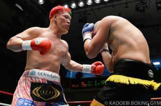 藤本 京太郎(角海老宝石) vsアーロン・ラッセル(豪州)