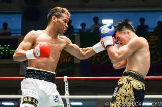 斉藤 一貴(角海老宝石) vsアンポン・スリヨー(タイ)