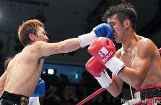 阪下優友(角海老宝石) vs粉川拓也(宮田) Photo by 福田直樹