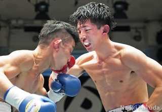 谷田 光希(角海老宝石) vs工藤 晴基(三迫) Photo by 福田直樹