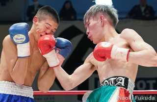土屋諒太(角海老宝石)VS 中塚貴大(JBスポーツ)