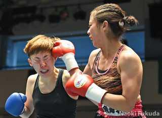 堀口 咲喜(角海老宝石)vs鳥本 菜摘(輪島功一S)Photo by 福田直樹