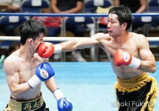 西川 勇気(角海老宝石) VS 平野 和憲(KG大和) Photo by 福田直樹
