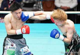 齋藤哲平(M.T)vs河本歩夢(角海老宝石)Photo by 福田直樹